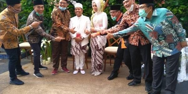 Xót xa cặp đôi mới cưới trên chuyến bay rơi ở Indonesia: Vợ thông minh và xinh đẹp, chồng là chính trị gia nổi tiếng-3