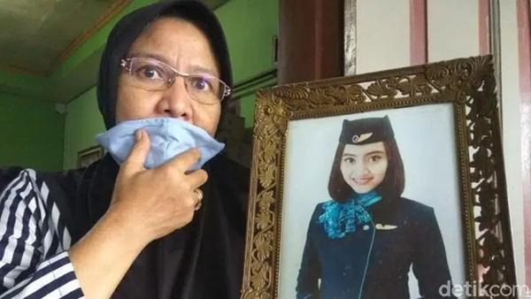 Máy bay rơi ở Indonesia: Chân dung 3 nữ tiếp viên hàng không có mặt trên chuyến bay định mệnh và câu chuyện trước khi lên đường của họ gây xót xa-4