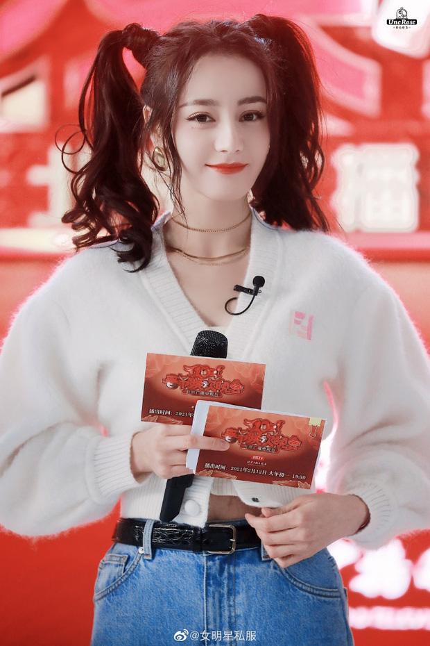 """Hết Jennie, Ngọc Trinh đến Nhiệt Ba đều cưa sừng"""" với tóc buộc 2 bên: Có người mặt tròn xoe mà buộc lên xinh không tưởng-4"""