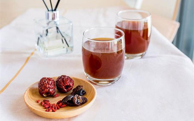 Kiên trì uống loại trà này trong 2 tuần, chị em sẽ thấy nhan sắc của mình lên hương đáng kể!-1