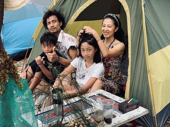 Vợ Phạm Anh Khoa tiết lộ chồng từng dọn đến khu phố nghèo sống sau khi sóng gió ập đến-4