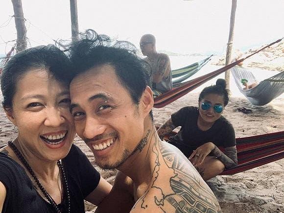 Vợ Phạm Anh Khoa tiết lộ chồng từng dọn đến khu phố nghèo sống sau khi sóng gió ập đến-5