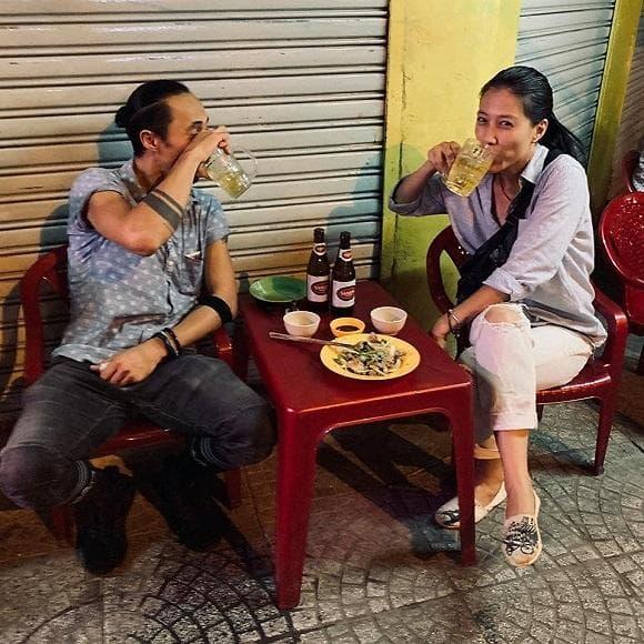 Vợ Phạm Anh Khoa tiết lộ chồng từng dọn đến khu phố nghèo sống sau khi sóng gió ập đến-7