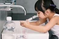 Em bé ngừng thở khi đang rửa mũi bằng nước muối sinh lý