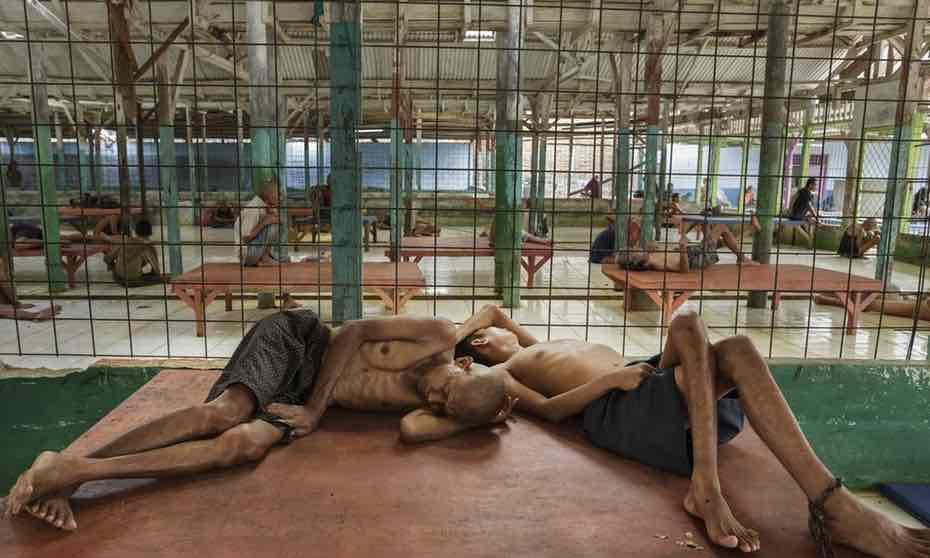 Có một địa ngục ở giữa thiên đường du lịch Bali: Nơi bệnh nhân tâm thần đang bị xiềng xích bởi tục lệ truyền thống man rợ-4