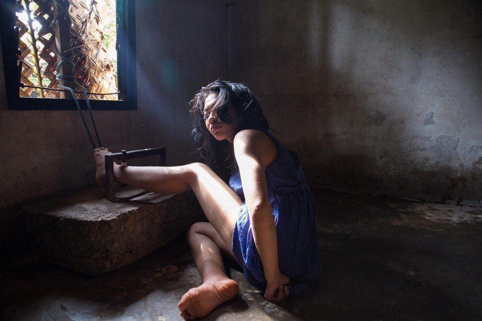 Có một địa ngục ở giữa thiên đường du lịch Bali: Nơi bệnh nhân tâm thần đang bị xiềng xích bởi tục lệ truyền thống man rợ-6