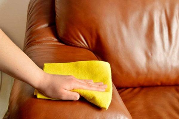 Cách vệ sinh ghế sofa đơn giản, sạch sẽ đón Tết-1