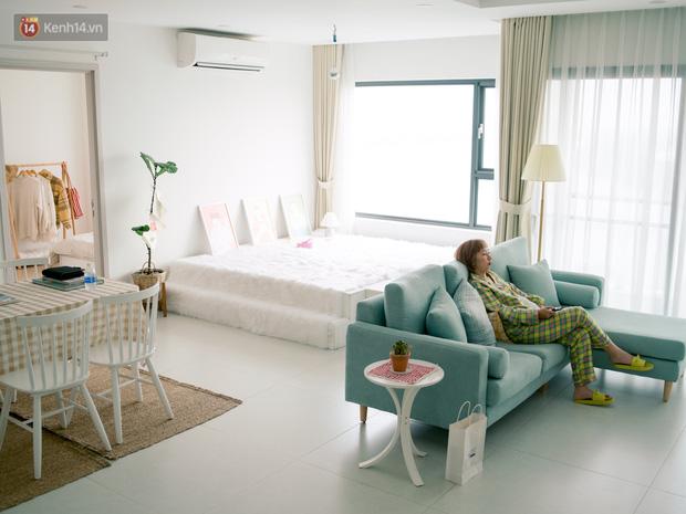 Trang Hý chơi sang ở một mình một nhà rộng 120m2 với 3 phòng ngủ, nội thất rẻ đến bất ngờ-1