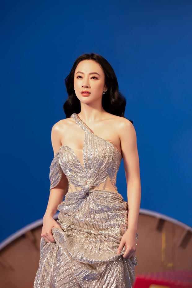 Angela Phương Trinh diện áo hiểm hóc khoe vòng 1 hững hờ, soi vào nhận ra ngay lý do khiến netizen tranh cãi-3