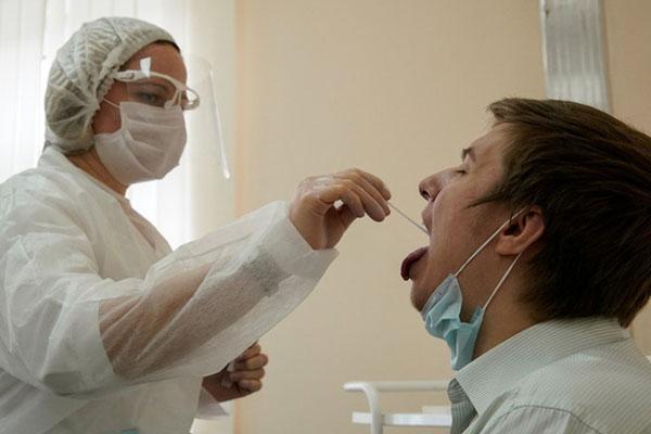 Phát hiện sốc về virus SARS-CoV-2 trong một bệnh nhân Nga-1