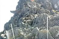 Dân phượt từ nay hết cửa check-in ở 'mỏm đá tử thần' trên đèo Mã Pí Lèng sau vụ du khách trượt chân rơi xuống khe đá