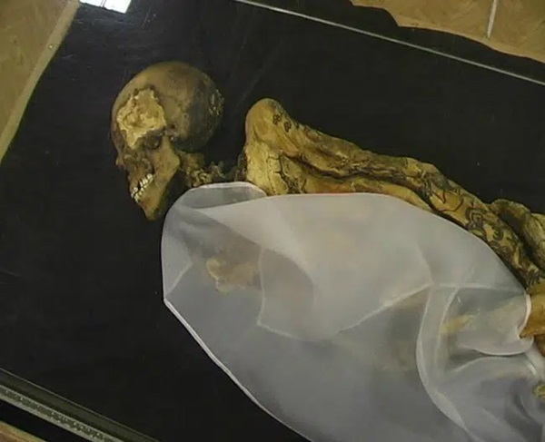 Xác ướp công chúa 2.500 tuổi có hình xăm điệu nghệ khiến giới khoa học bối rối, người dân cương quyết không công khai ảnh với lý do khó hiểu-2