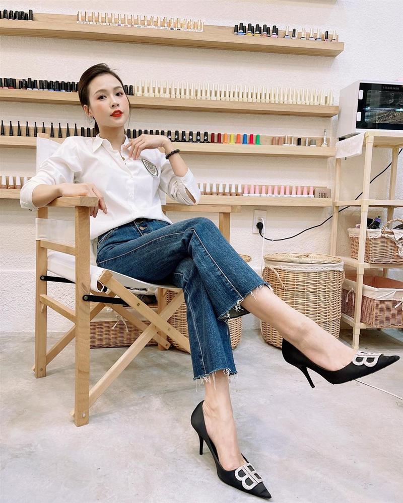 Mỹ nhân Việt gợi ý cho chị em 4 mẫu giày cao gót vô địch khoản hack dáng, giúp kéo chân dài miên man để diện Tết-1