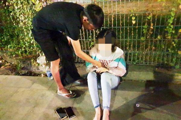 Cô gái bị cướp xe máy sau khi cãi nhau với bạn trai