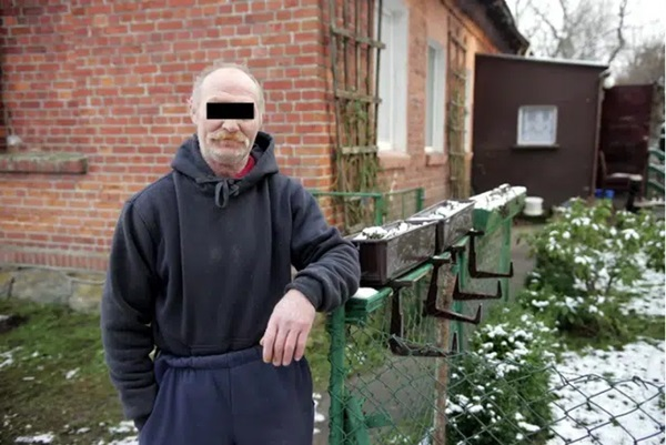 Gã chồng ác quỷ nhốt vợ trong phòng tối suốt 2 năm, cho nhiều người đàn ông khác cưỡng hiếp, mỗi lần thu 132.000 đồng-5