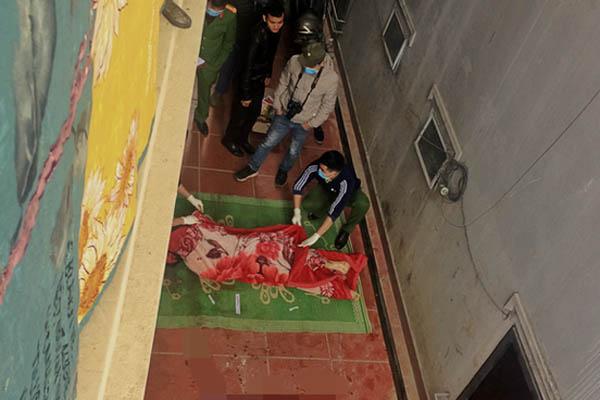Trèo lên mái nhà quay clip đăng TikTok, nam thanh niên ở Sa Pa ngã xuống đất tử