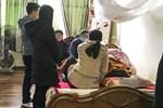 Mẹ nam sinh tử vong trong vụ tàu lượn văng khỏi đường ray liên tục khóc ngất gọi tên con