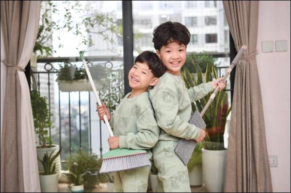 Đẻ 2 con trai như Đan Lê đúng là mát lòng mát dạ, vừa học giỏi lại tình cảm, khéo ăn nói khiến mẹ tan chảy-5