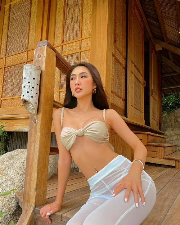 Tường Linh post ảnh phô ba vòng nóng bỏng, choáng nhất là kiểu quần xuyên thấu mặc như không-2
