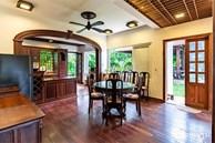 Căn nhà vườn xây 10 năm vẫn đẹp hút mắt với nội thất gỗ và cây xanh quanh nhà ở Nha Trang