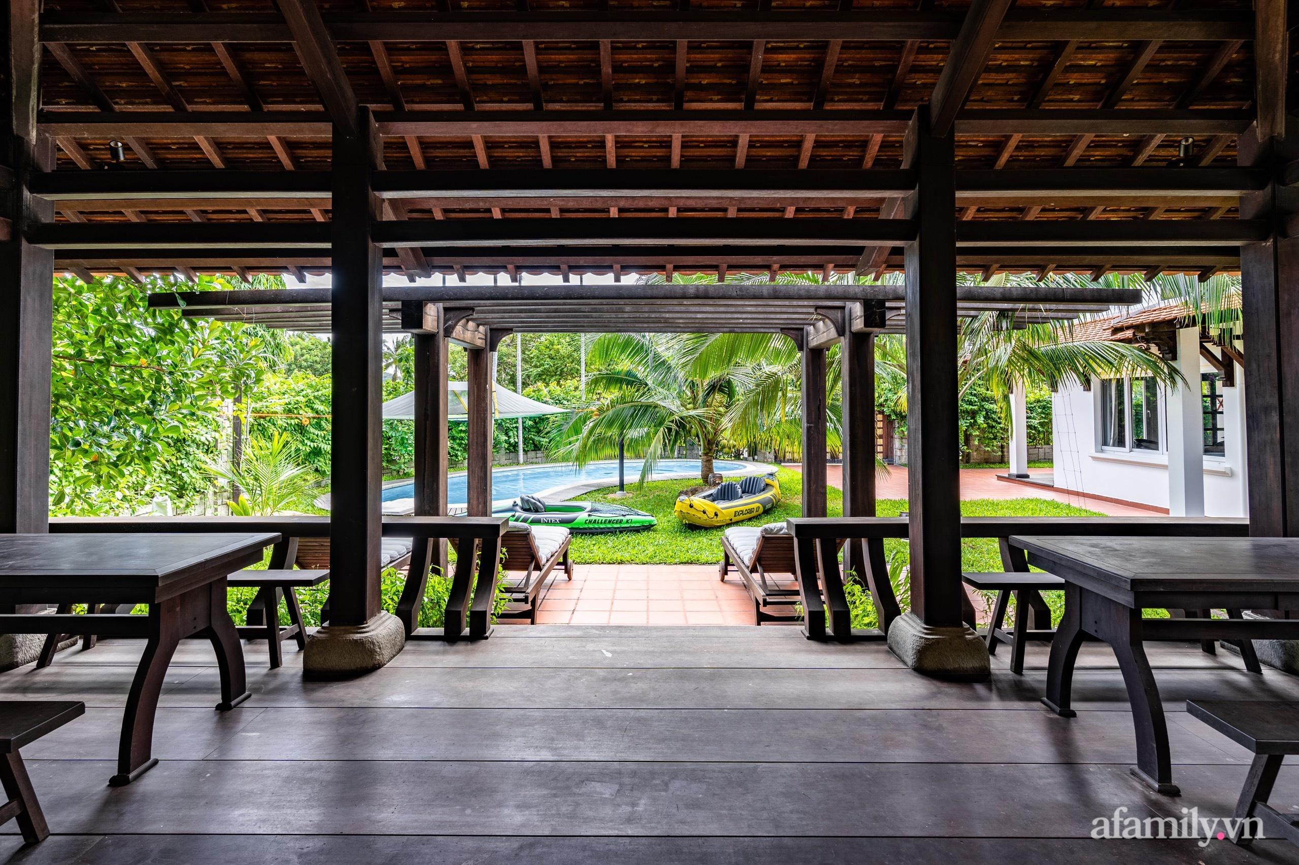 Căn nhà vườn xây 10 năm vẫn đẹp hút mắt với nội thất gỗ và cây xanh quanh nhà ở Nha Trang-7