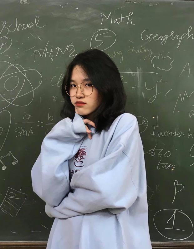Nữ sinh khác một trời một vực khi đi học mùa hè và mùa đông: Ai bảo nhan sắc không thể đổi trắng thay đen!-6