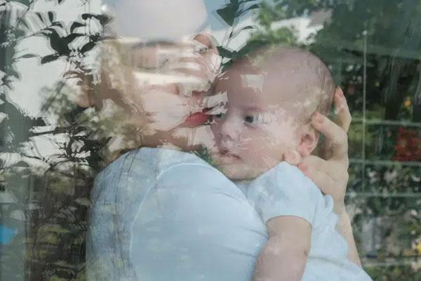 Khoảnh khắc ấm áp giữa Hồ Ngọc Hà và con gái