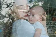 Khoảnh khắc ấm áp giữa Hồ Ngọc Hà và con gái, ngoại hình của cô bé gây chú ý