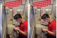 """Dân mạng """"đổ gục' khi thấy nam tiếp viên hàng không tự tay khâu chiếc quần mới cho hành khách nhí vừa bị nôn một cách tận tình"""
