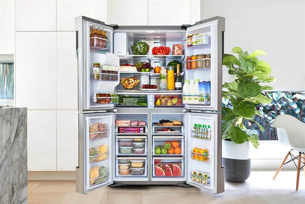 Tủ lạnh gia đình luôn chạy 24/24, áp dụng ngay những tuyệt chiêu dưới đây để không bị đau ví khi thanh toán tiền điện mỗi tháng-1