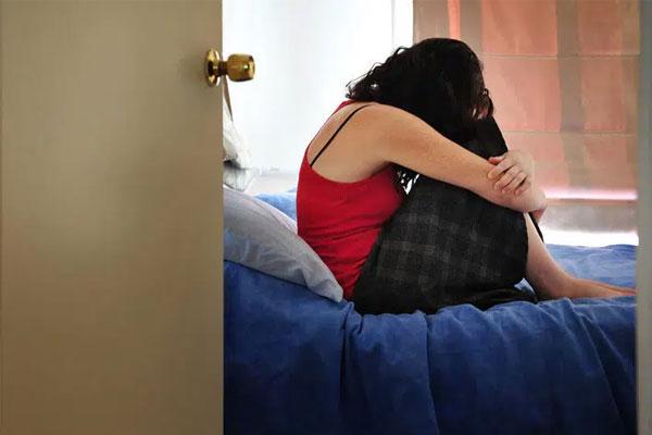 Cô gái 27 tuổi có dấu hiệu lạ ở 'phần dưới' sau khi quan hệ với nhiều bạn trai