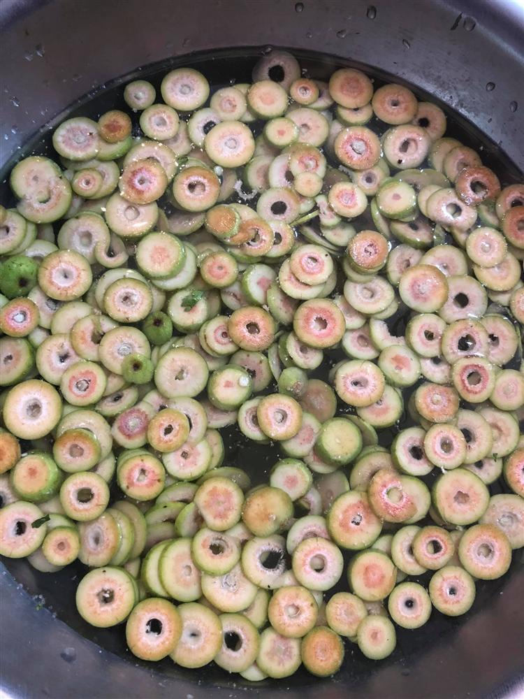 Sung muối xổi và sung muối chua - 2 món ăn giúp các chị em chống ngán giữa các món ăn nhiều đạm trong ngày Tết-2