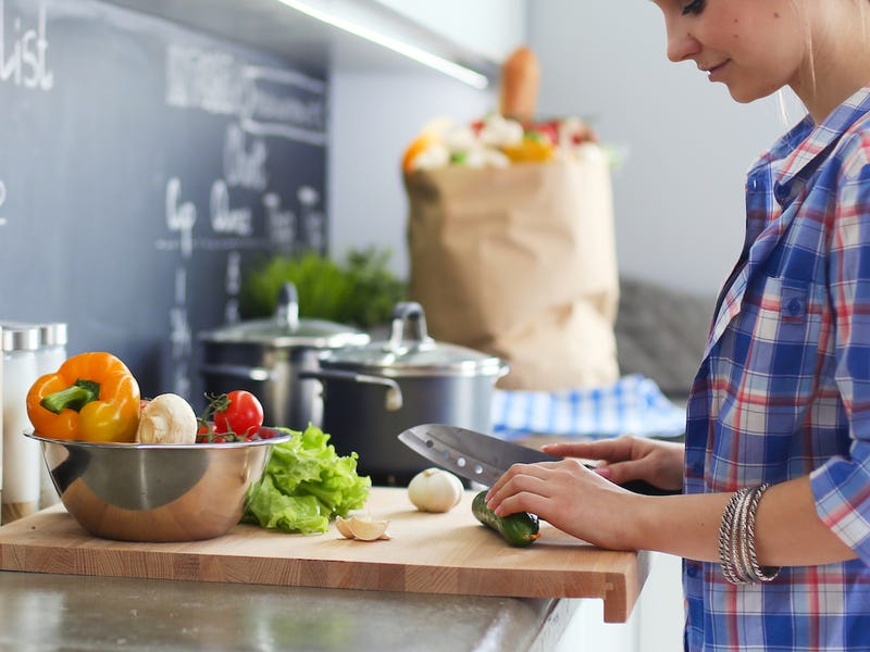 Mẹo giúp bạn tiết kiệm cả cục tiền khi mua sắm đồ ăn hằng ngày-1