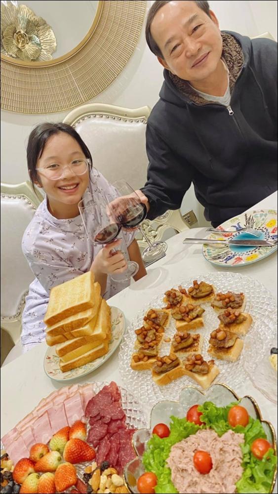 MC Diệp Chi vào bếp bày tiệc đãi bố, dân tình xuýt xoa khen vừa xinh, vừa giỏi lại còn nấu ăn siêu đỉnh-2