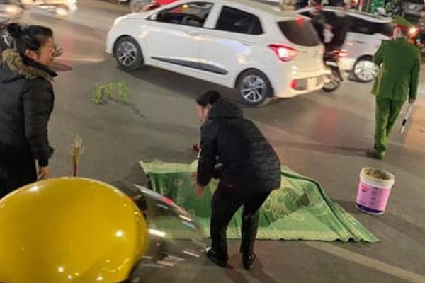 Vụ 2 người đi bộ bị đâm tử vong ở Hà Nội: Tạm giữ thanh niên lái xe máy