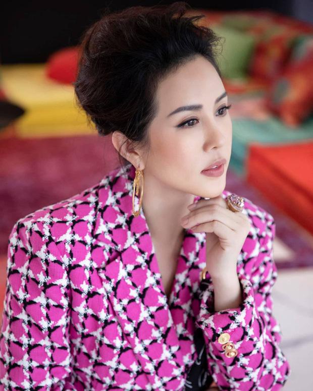 Quản lý cũ Hương Giang tag tên dưới post đấu tố, HH Thu Hoài đáp lại đầy bất ngờ, khiến dân tình tâm phục khẩu phục-2