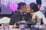 Clip Hương Giang và Matt Liu quấn quít ôm hôn trước ánh mắt của nhiều người
