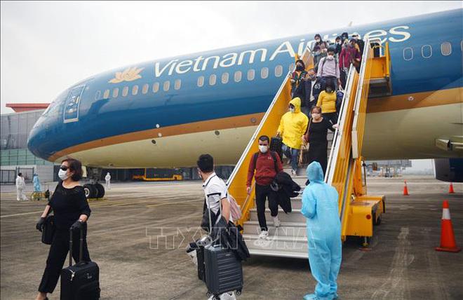 Giá vé máy bay Tết tiếp tục giảm mạnh-1