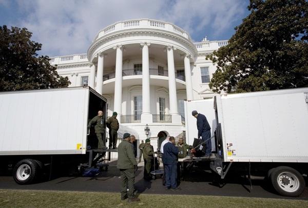 Ngày chuyển nhà khác biệt của hai tổng thống Mỹ-2