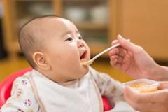 Những kiến thức ăn dặm lưu truyền đã lâu đều là sai, các mẹ cần cẩn thận!
