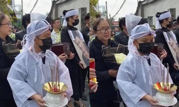 Gia đình tổ chức lễ an táng cố ca sĩ Vân Quang Long: Con gái lớn cầm tro cốt của bố, vợ hai Linh Lan không xuất hiện-3
