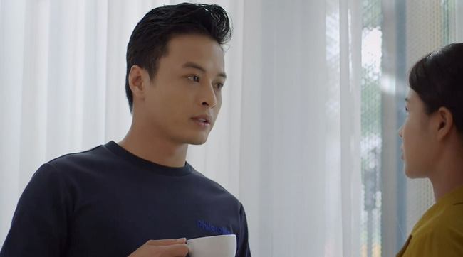 Hướng dương ngược nắng: Châu ghen khi thấy Kiên ở cùng Minh trong phòng riêng, đang thất tình lại va phải Phúc-4