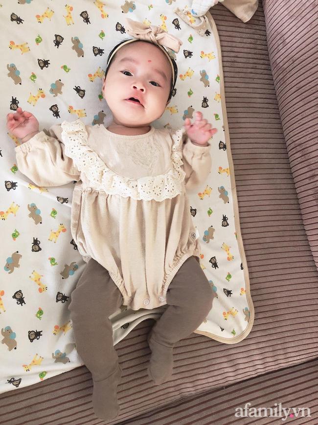 Bé gái 6 tháng tuổi mặt như tấu hài, còn khiến mẹ muốn trầm cảm luôn khi bắt chước biểu cảm quạo y chang bố-5