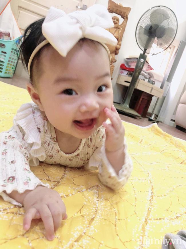 Bé gái 6 tháng tuổi mặt như tấu hài, còn khiến mẹ muốn trầm cảm luôn khi bắt chước biểu cảm quạo y chang bố-7