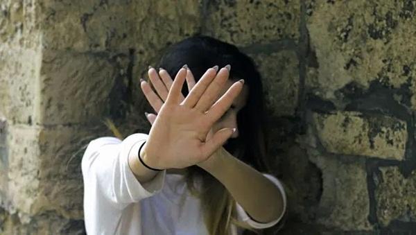 Thiếu nữ 17 tuổi tố bị 38 người đàn ông cưỡng hiếp trong thời gian dài, tìm hiểu chi tiết vụ việc càng khiến dư luận phẫn nộ-2