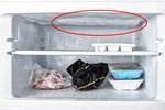 Tủ lạnh bị đóng tuyết ngăn đá, nguyên nhân có thể bắt nguồn từ những thói quen của người dùng, hãy tự khắc phục thay vì phải gọi thợ sửa chữa