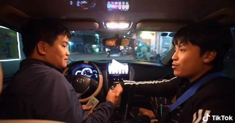 Danh tính thanh niên chi 35 triệu thuê taxi đi xuyên Việt từ Bắc vào Nam-4