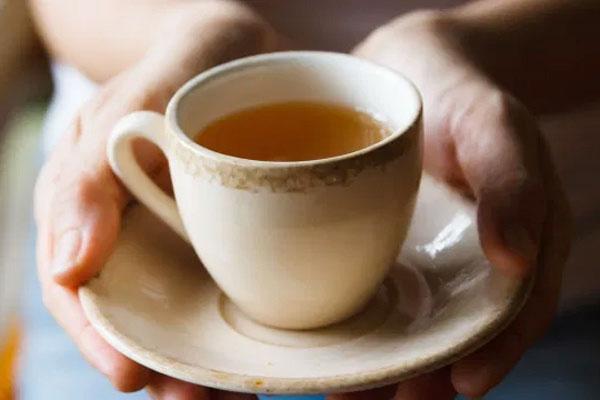 Mặt trái nguy hiểm của việc uống quá nhiều trà xanh-1