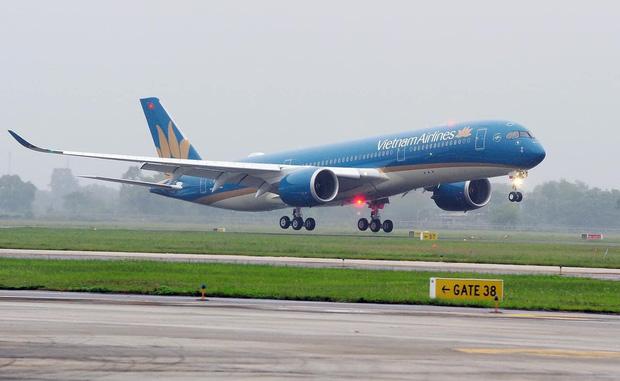 Hà Nội thời tiết rất xấu, nhiều chuyến bay không thể hạ cánh tại Sân bay Nội Bài-1