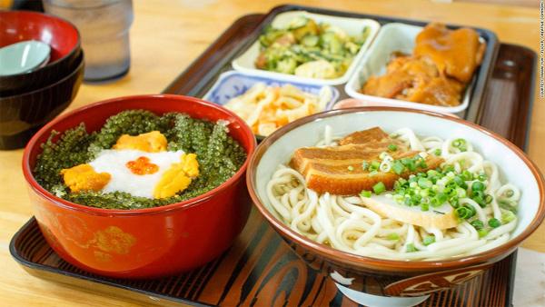 Tiết lộ chế độ ăn giúp sống lâu trên đảo trường thọ ở Nhật-1